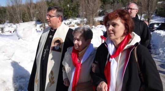 Wiele łask i cudów przy grobie św. Ojca Charbela