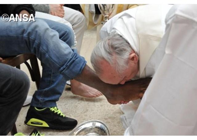 Msza Wieczerzy Pańskiej w więzieniu: Pan obmywa nas całych