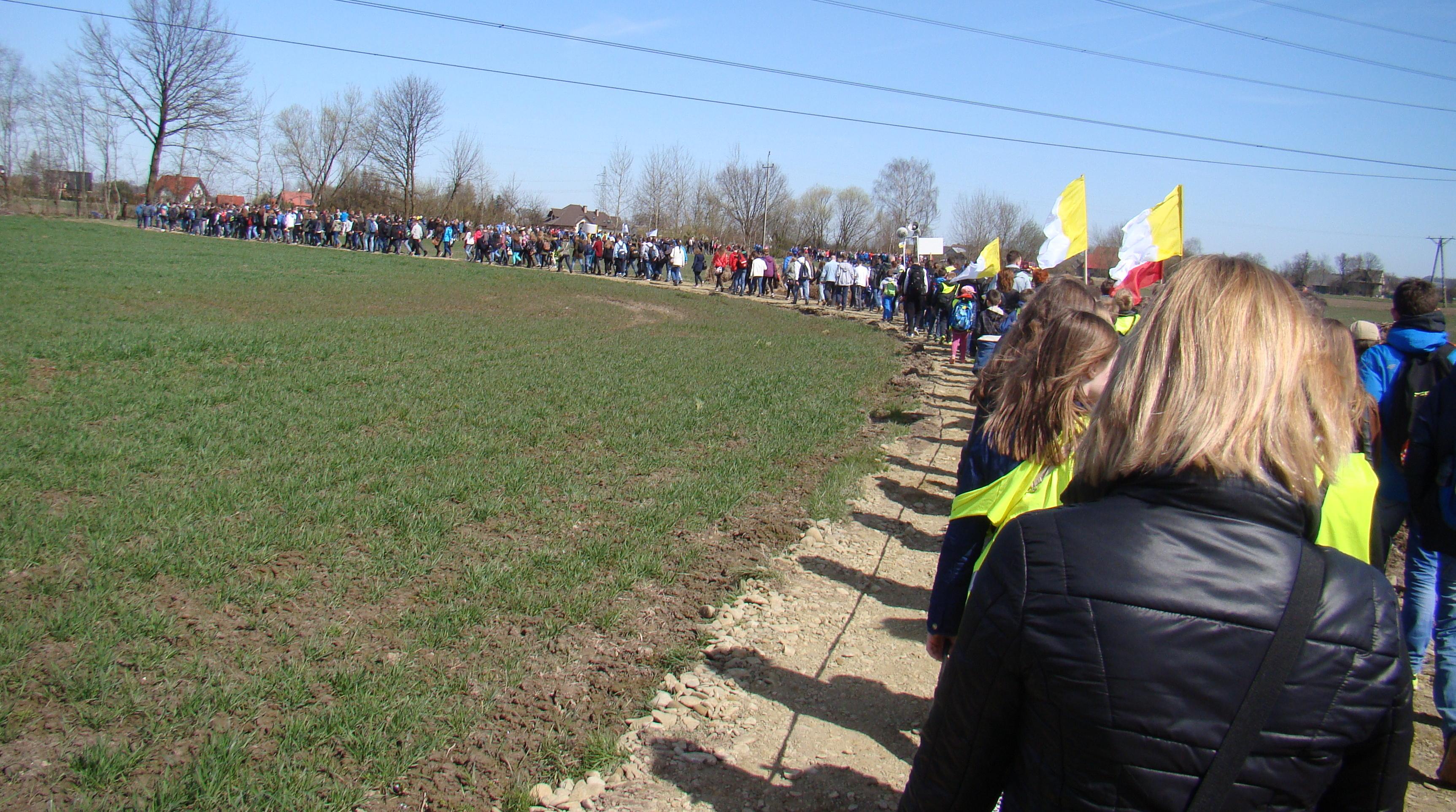 Biały marsz 9 kwietnia kończy się w Niegowici.