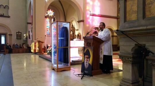 Uroczyste wprowadzenie relikwii i pierwsza Msza św.