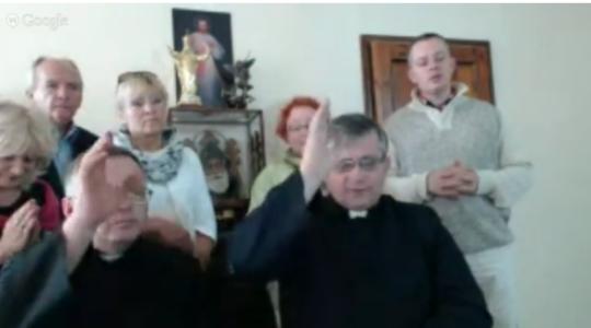 Koronka do Miłosierdzia Bożego i rozmowa z ks. dr Romanem Piwowarczykiem