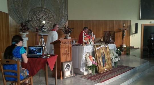 Pierwsza transmisja Mszy św. z tłumaczeniem symultanicznym z parafii Monticello di Fara w diecezji Vicenza
