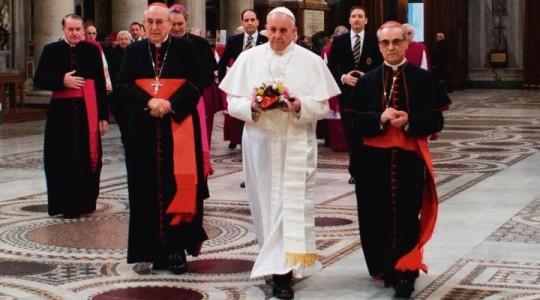 Papież do charyzmatyków: jedność jest najważniejsza