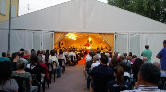 15.07.2015   W Gherghenzano tłumy ludzi uczciły relikwie św. o. Pio