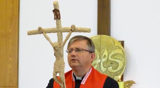 Rekolekcje w Częstochowie 11-13.10. Dzień 3.  Adoracja Krzyża Świętego i świadectwa oraz dar modlitwy dla ks. Jarosława