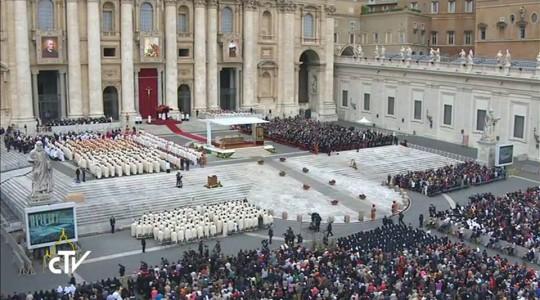 Kanonizacja rodziców św. Teresy z Lisieux. Papież na Mszy kanonizacyjnej: władza w Kościele jest służbą