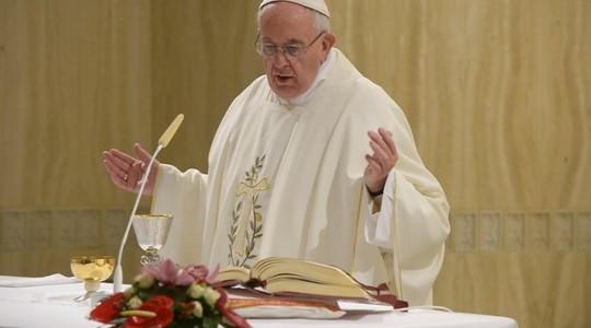 Papież na Mszy: uboga ufająca Bogu wdowa to ideał Kościoła