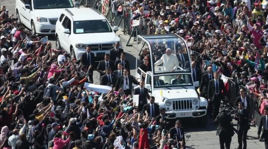 Papież do rodzin: miłość jest czymś najpiękniejszym co mężczyzna i kobieta mogą dać sobie nawzajem