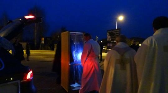 Video z odprowadzenia relikwii św. O.Pio