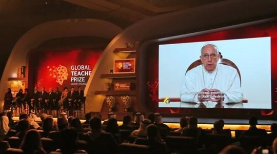 Papież do Globalnego Forum Edukacji: bez wychowania narody upadają