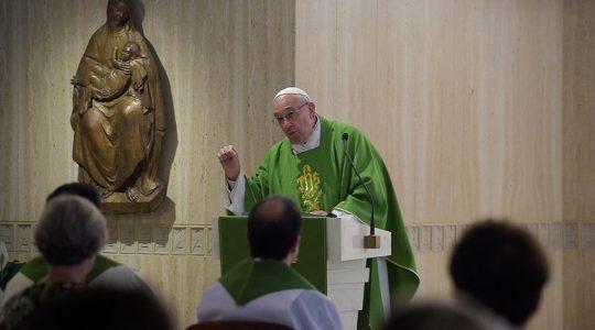 Papież na wtorkowej Mszy: módlmy się za swych nieprzyjaciół
