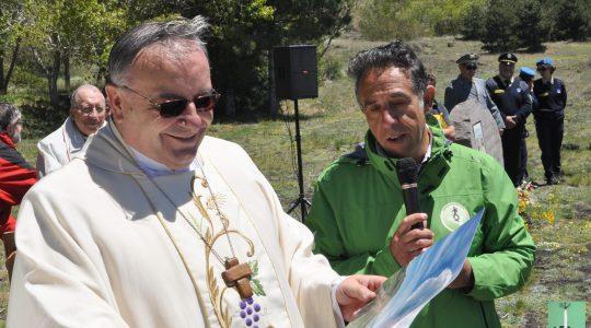 Sull'Etna nella festività della Madonna di Fatima, celebrazione in onore di Giovanni Paolo II.  Msza św. na Etnie przywołała obraz miłości św. Jana Pawła II do gór.