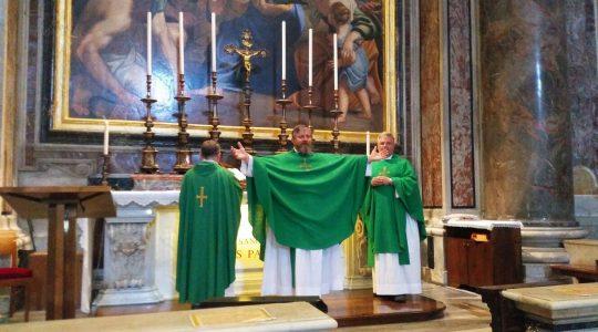 Przy grobie św. Jana Pawła II w jedności z papieżem Franciszkiem