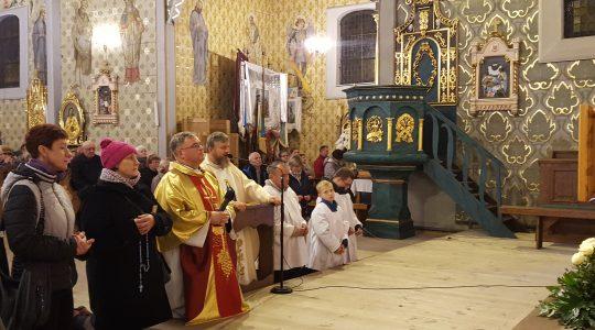 Kościół w Dobroniu był pełen ludzi