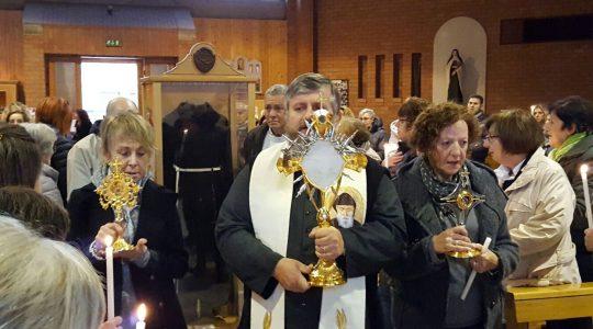 Ksiądz Jarek dotarł z relikwiami świętych do parafii w Porcie w Pesaro