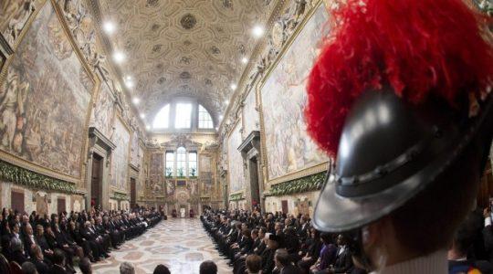 Noworoczne spotkanie ojca świętego z Korpusem Dyplomatycznym ( Vatican Service News 09.01.2017)