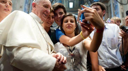 Papież pragnie, aby młodzież włączyła się w przygotowania do Synodu.(Vatican Service News - 14.01.2017)