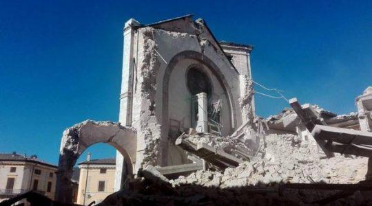 Papież pomaga zniszczonej przez trzęsienie Nursji ( Vatican Service News 04.02.2017)