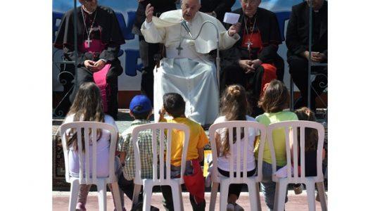 Rodzina największą wartością ( Vatican Service News - 22.05.2017)