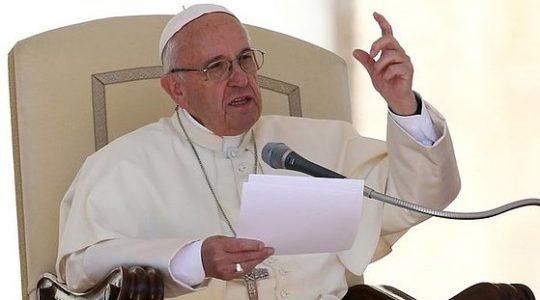 Papież przestrzega, że w dzisiejszym świecie w centrum stoi pieniądz a nie Bóg (Vatican Service News - 06.05.2017)