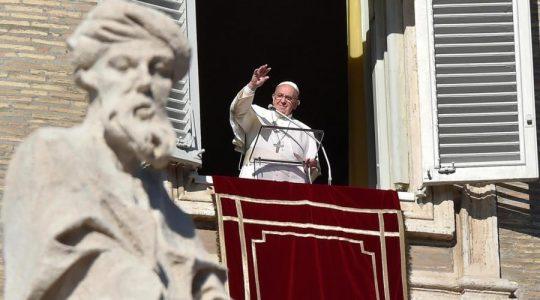 Modlitwa na Anioł Pański z papieżem Franciszkiem (Vatican Service News - 23.07.2017)