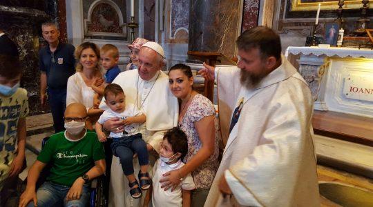 Przeżyjmy to jeszcze raz - spotkanie Ojca świętego Franciszka w bazylice Piotrowej (Vatican Service News 27.07.2017)