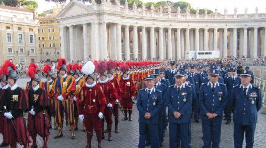 Policja włoska i żandarmeria watykanska uczcili swego świętego patrona archanioła Michała(Vatican Service News - 29.09.2017)