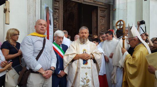 Gragnano przywitało Świętego Charbela