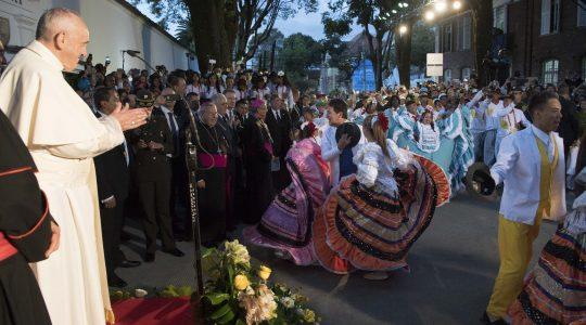 Powitanie Ojca Świętego Franciszka w Kolumbii (07.09.2017 Vatican Service News)