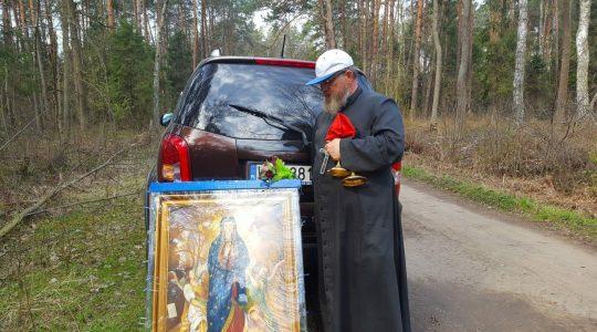 Awaria wózka  zatrzymała na chwilę księdza Jarka w dzisiejszym etapie Pielgrzymki