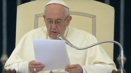 Papież pozdrawia zebranych na audiencji Polaków ( Vatican Service News - 12.12.2018 r.