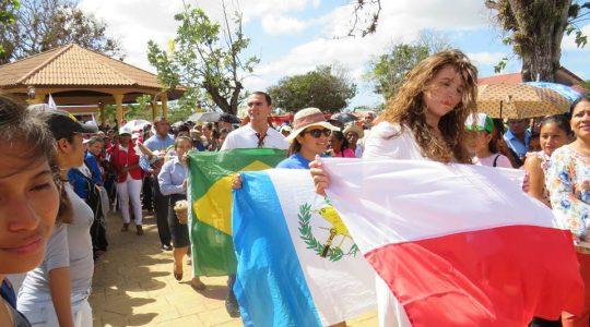 Młodzi Polacy już w Panamie  (Vatican Service News - 16.01.2018)