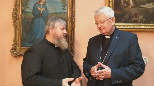 Biskup Stanisław błogosławi wszystkim (28.02.2019)