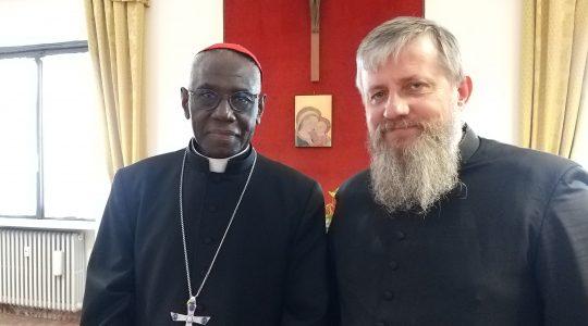 Spotkanie księdza Jarka z prefektem kongregacji kardynałem Robertem Sarahem w Watykanie-Vatican Service News (15.04.2019)