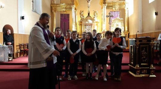 Dzieci na rekolekcjach w Brzezinach dla św. Jana Pawła II  (02.04.2019)