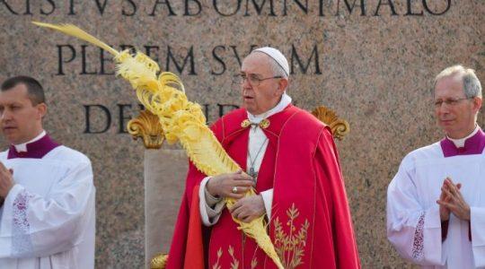 Z krzyżem nie można negocjować - niedzielna modlitwa Anioł Pański z Papieżem Franciszkiem (Vatican Service News - 14.04.2019)