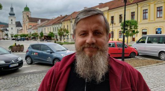 Ksiądz Jarek pozdrawia z Rożnavy-Un saluto di padre Jarek dalla Slovacchia (04.05.2019)