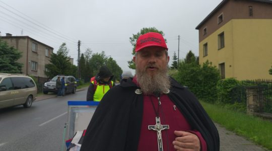Ksiądz Jarek w intencji za zmarłych w piątym dniu pielgrzymki 23.05.2019