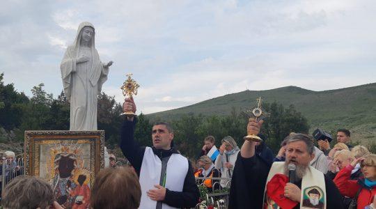 Niezwykła procesja do Matki Bożej  (03.04.2019)