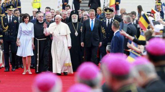 Papież przybył do Rumunii- kolejna podróż apostolska Ojca Świętego Franciszka (Vatican service News - 31.05.2019)