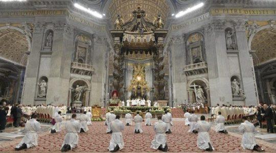 Święcenia kapłanskie w bazylice świętego Piotra ( Vatican Service News - 12.05.2019 )