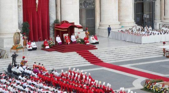 Msza święta na placu świętego Piotra ( Vatican Service News - 09.06.2019)