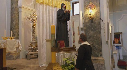 Każdy może ucałować figurę św. Charbela  (22.07.2019)