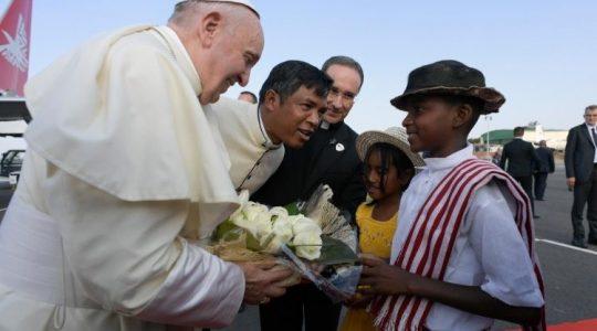 Drugi etap pielgrzymki Ojca Świętego Franciszka - Madagaskar ( Vatican Service News - 07.09.2019)