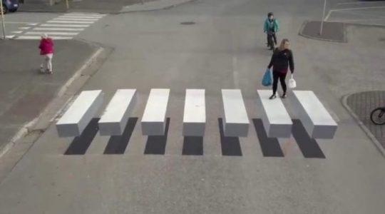 Iluzja na drodze w Italii  (24.10. 1019)