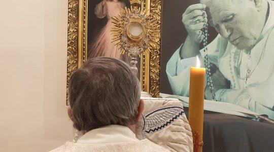 Adoracja Eucharystyczna i Apel Maryjny-Adorazione Eucaristica e preghiera Mariana (16.03.2020)