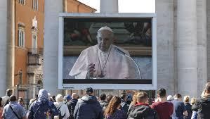 Papież w klatce . Modlitwa Anioł Pański w Watykanie(08.03.2020)