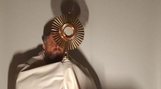 Adoracja Najświętszego Sakramentu-Adorazione Eucaristica e preghiera Mariana-03.04.2020