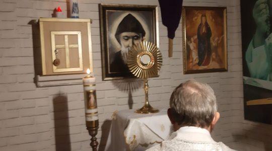 Koronka do Bożego Miłosierdzia-Coroncina della Divina Misericordia in diretta -06.04.2020