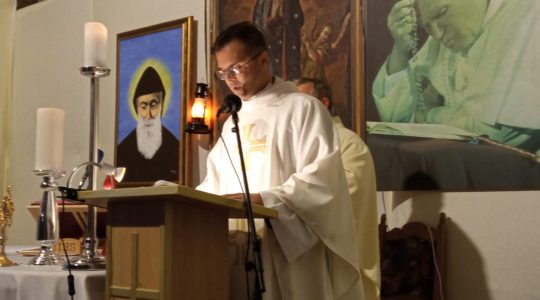 Transmisja Mszy Świętej o godzinie 11.00 w parafii pw. Matki Bożej Wniebowziętej i św. Charbela-Florencja 27.09.2020